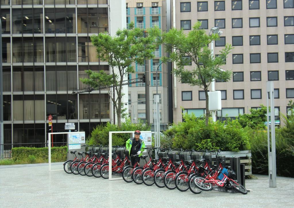 横浜アイランドタワー下の自転車ポート